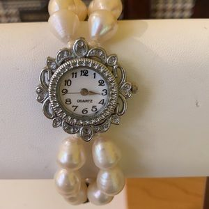 Freshwater pearl and quart watch